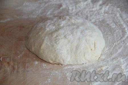 Вымешиваем тесто для улиток