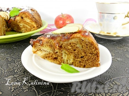 Разрезать пирог на части и можно подавать к чаю на радость своим родным и близким!