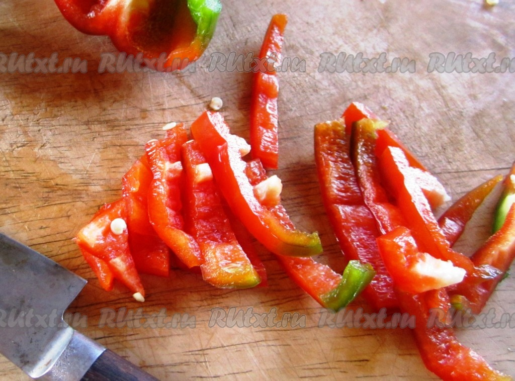 Салат из ветчины помидор и перца болгарского