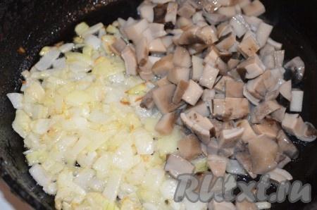 Салат с курицей и ананасами слоями и грибами рецепт с