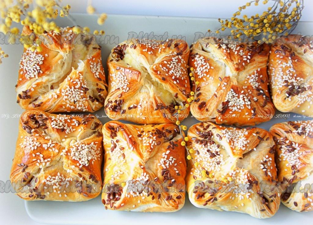 пирожки из готового слоеного теста в духовке рецепт с фото