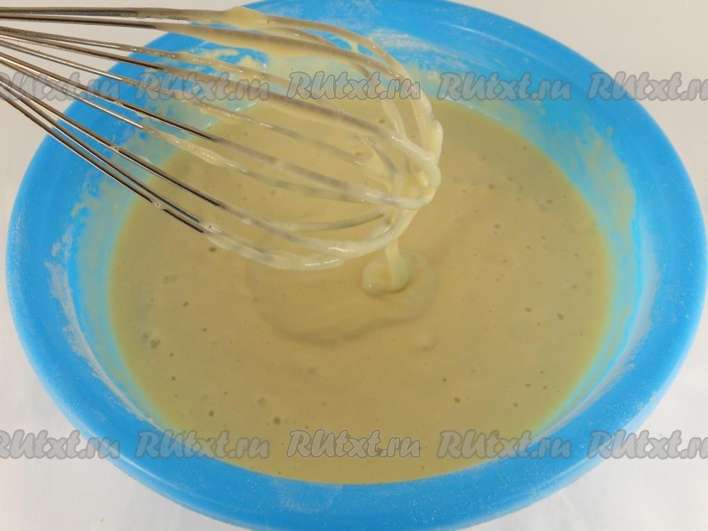 Быстрые оладьи на молоке с дрожжами рецепт с пошагово в