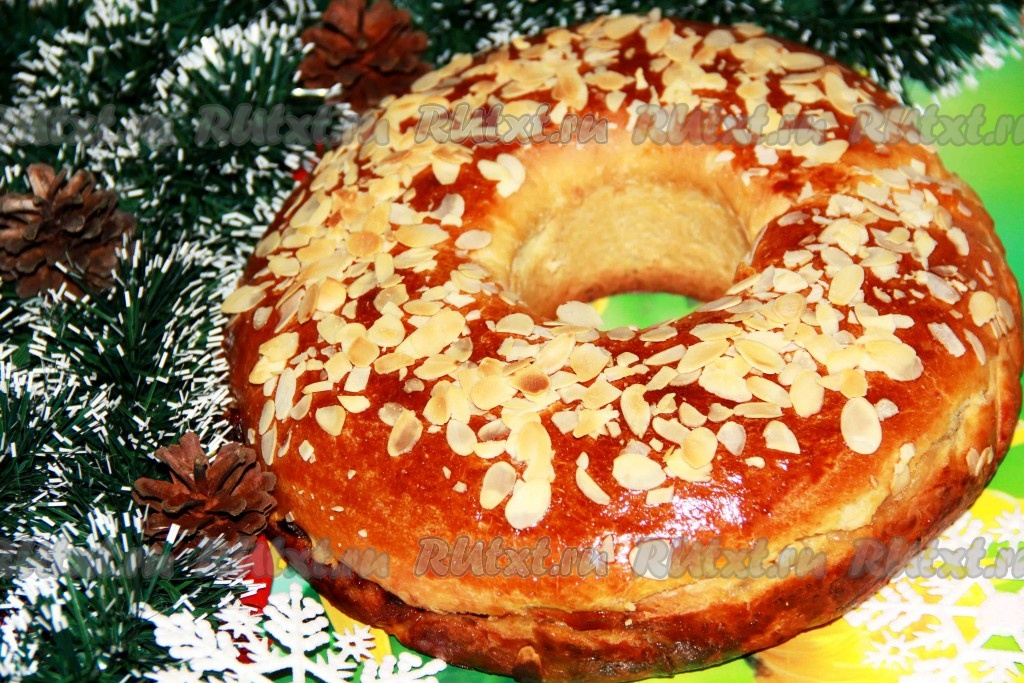 Рецепт закрытого яблочного пирога из дрожжевого теста в духовке