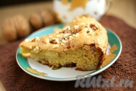 Выпекаем простой, но очень вкусный яблочный пирог при температуре 180 градусов около 30-35 минут. Готовность яблочного пирога проверяем зубочисткой. Очень просто и быстро! Этот рецепт яблочного пирога полюбился нашей семье, надеюсь понравится и вам.