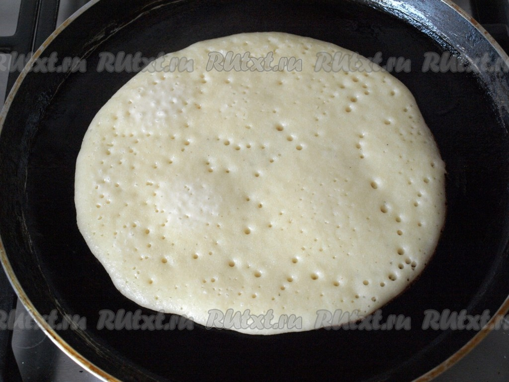 Блины на дрожжах и молоке с манкой рецепт