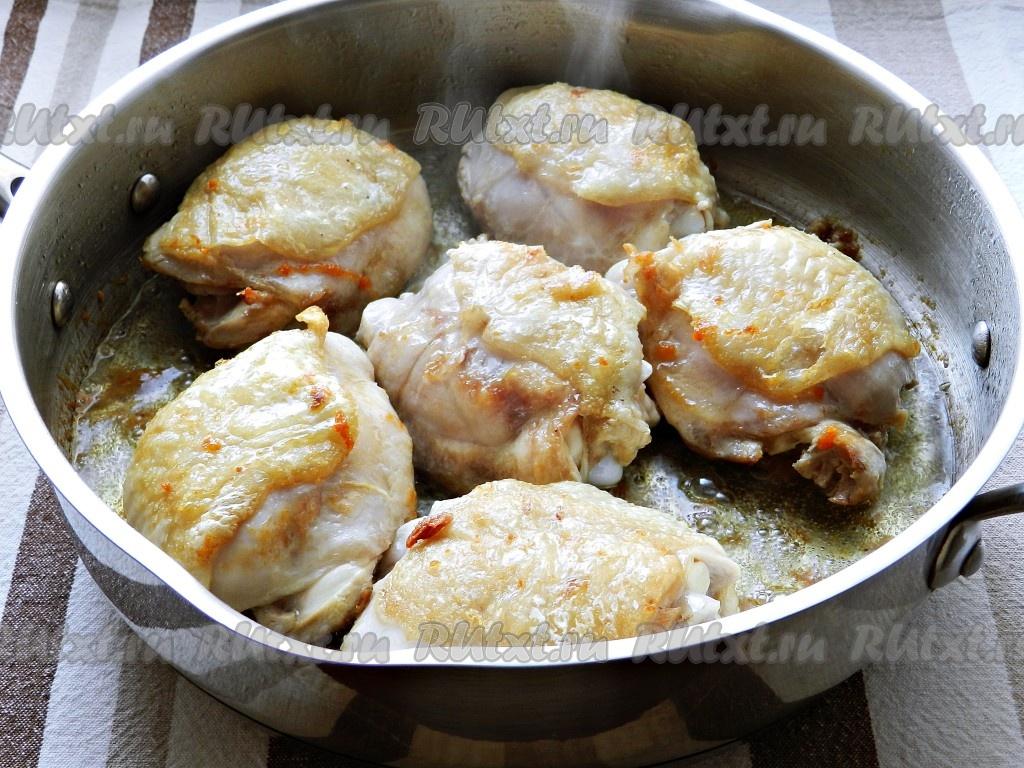 Куриные бедра в соусе