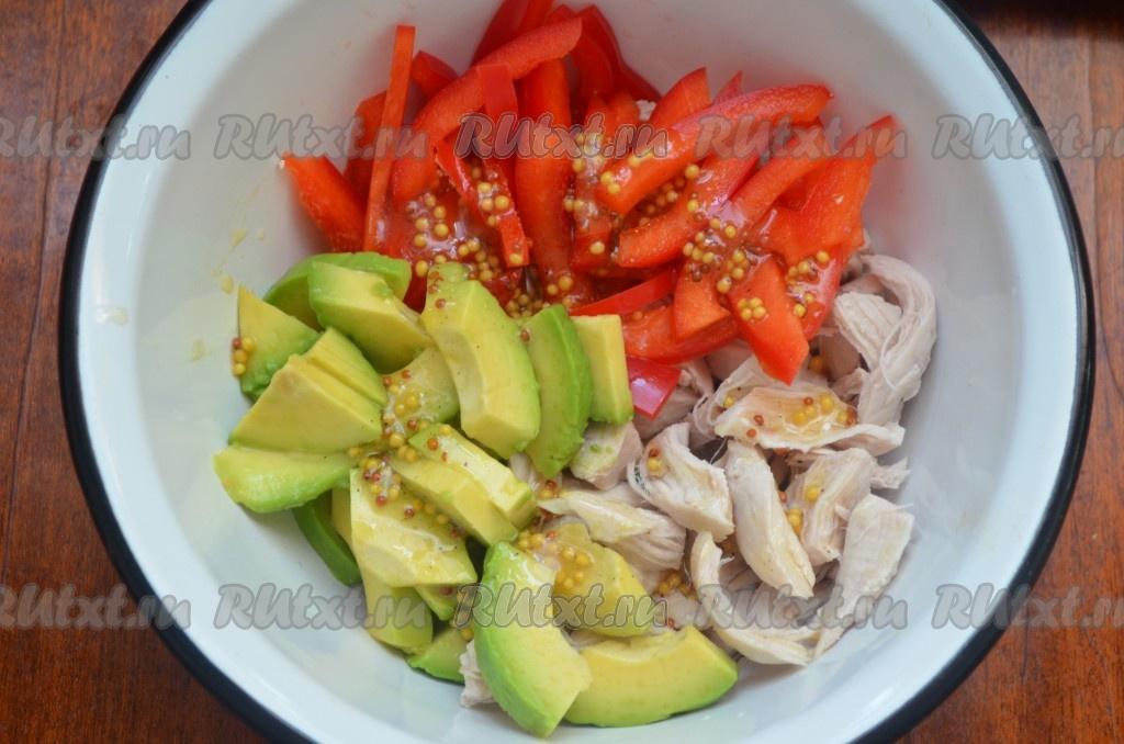 Салат с авокадо и курицей рецепт с фото