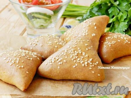 Пирожки с мясом, приготовленные на кефире, получаются очень вкусными.