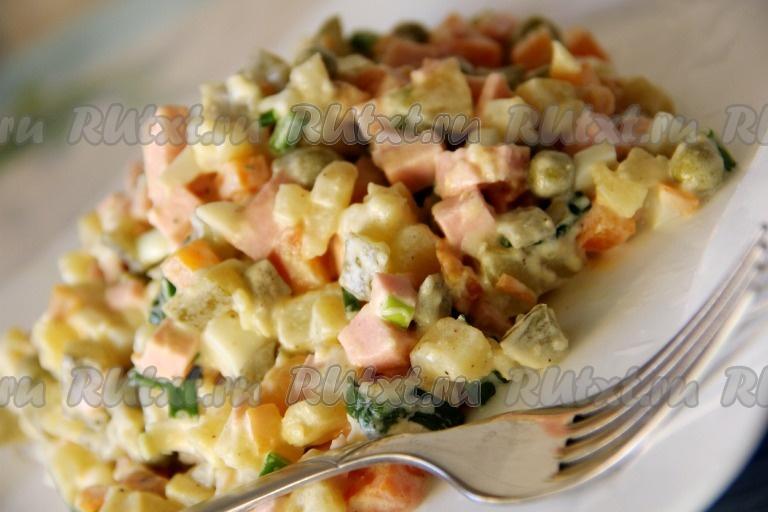 рецепт салата оливье с колбасой и