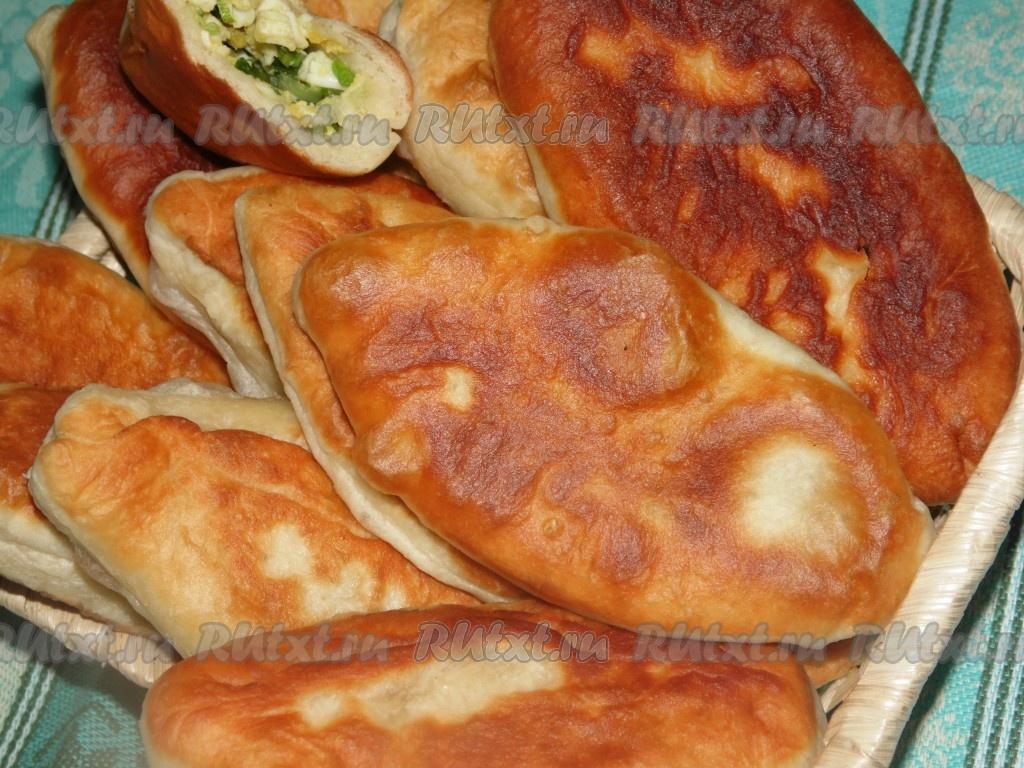 Тесто для пирожков с луком и яйцом жареные