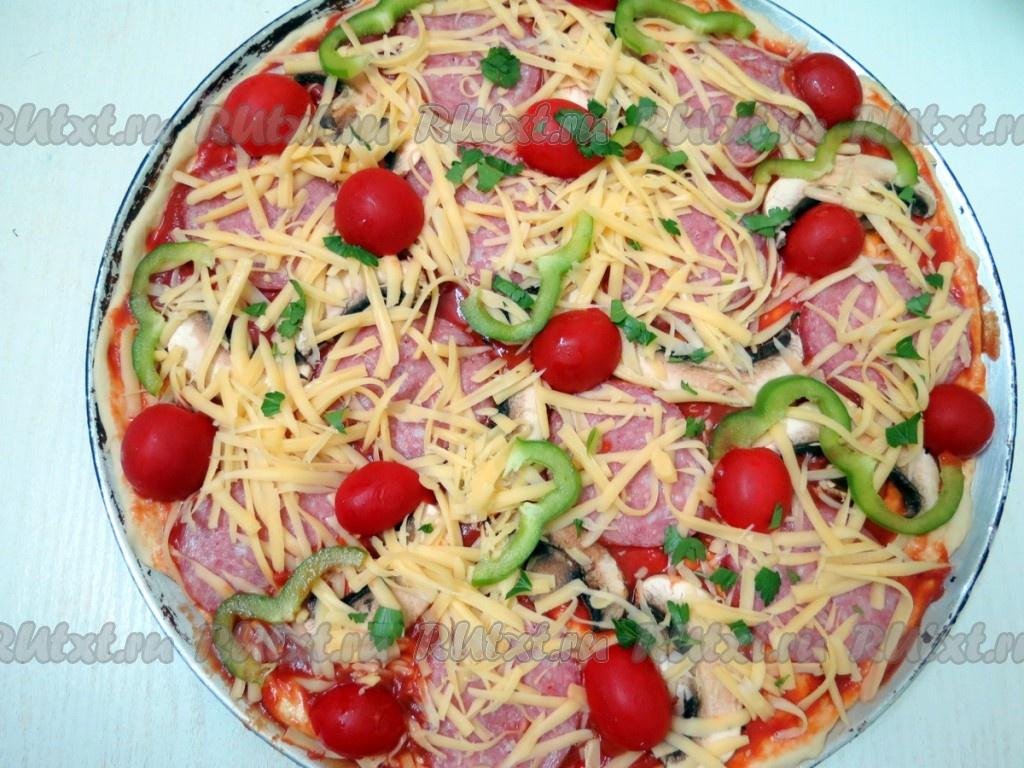рецепт пиццы из колбасы сыра помидоров