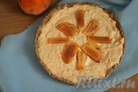 Отправить наш пирог из овсяной муки в духовку, разогретую до 180 градусов, еще на 40 минут. Наш вкусный и полезный пирожок готов, он обязательно понравится и детям, и взрослым.
