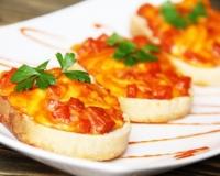 Горячие бутерброды в духовке - рецепт пошаговый с фото