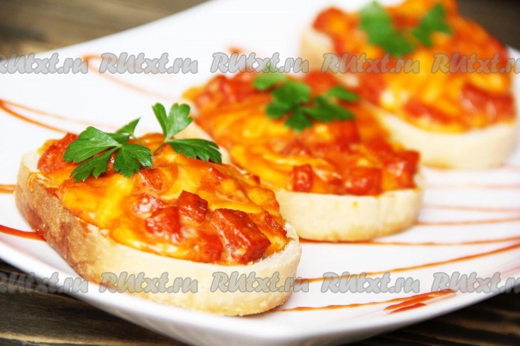 как сделать горячие бутерброды с колбасой и сыром в духовке