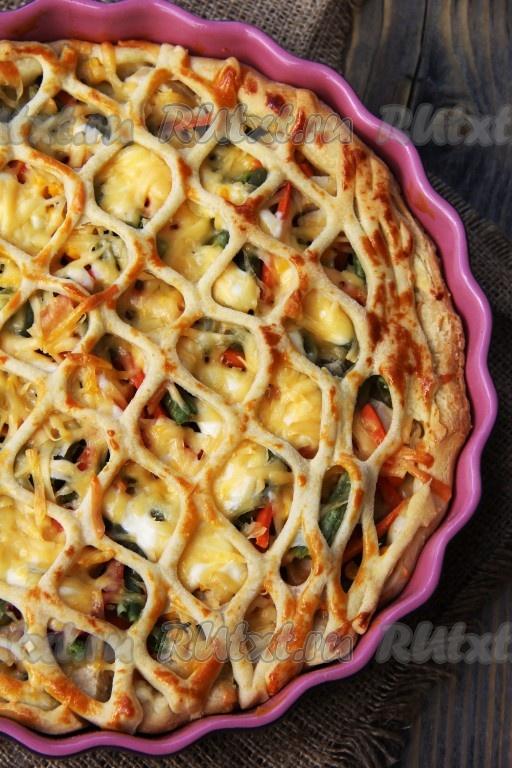 Пирог из слоеного теста с курицей: пошаговый кулинарный рецепт