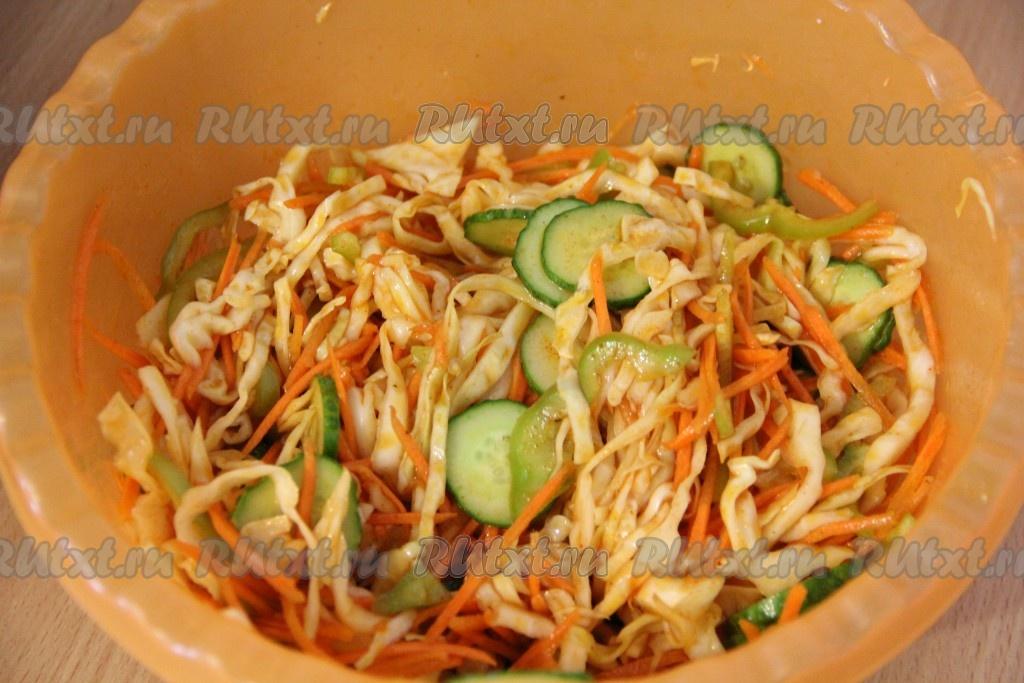 Рецепты салатов из корейской капусты и огурцов