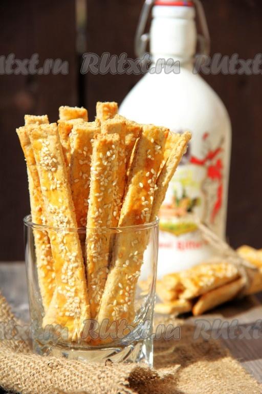 Рецепт сырных палочек из слоеного теста фото