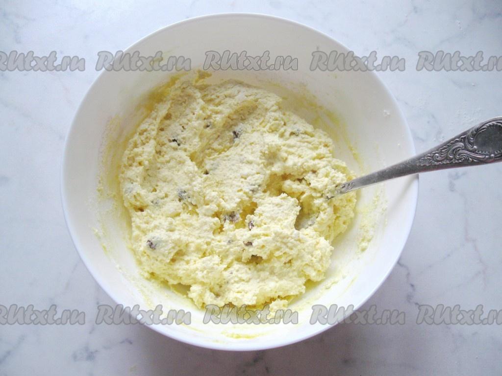 рецепт сырников с творогом и творожной массой с изюмом