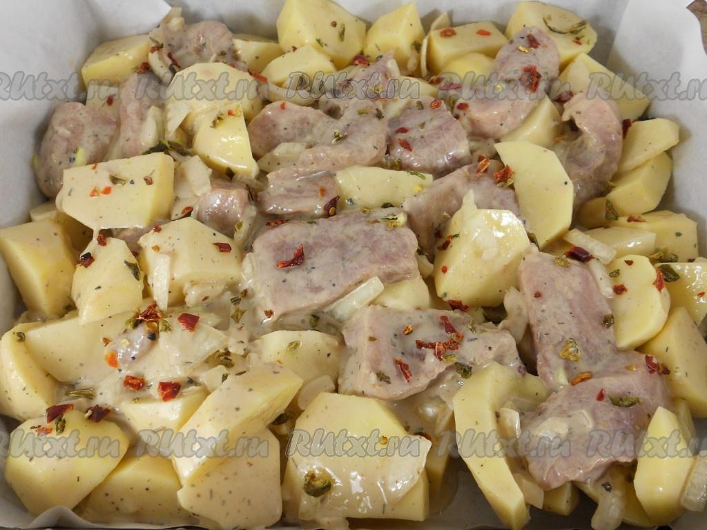 свинина с аджикой в фольге в духовке рецепт