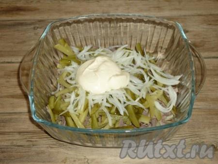 Салат из сердца с маринованным луком рецепт