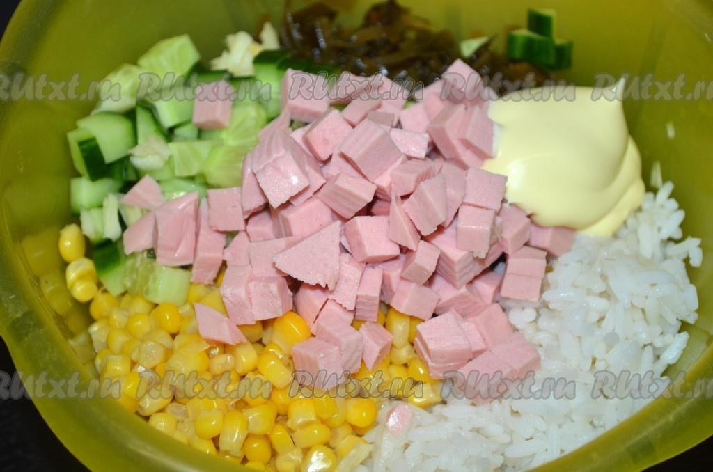 Салат из капусты кукурузы и риса