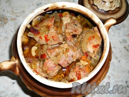 Как приготовить свинину с грибами в горшочке в духовке рецепт