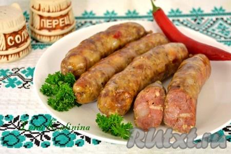 Вкуснейшие домашние колбаски из свинины, приготовленные на пару в мультиварке, подавайте в теплом или холодном виде. По желанию, колбаски можно еще и обжарить.