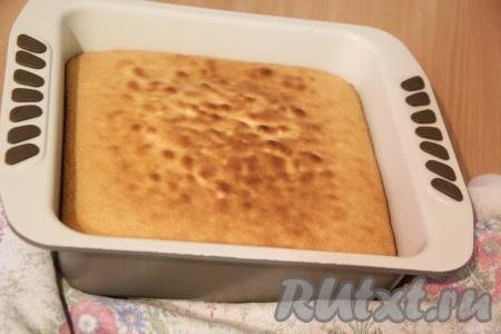 Пирог ровно поднимется и станет золотистого цвета.{amp}#xA;