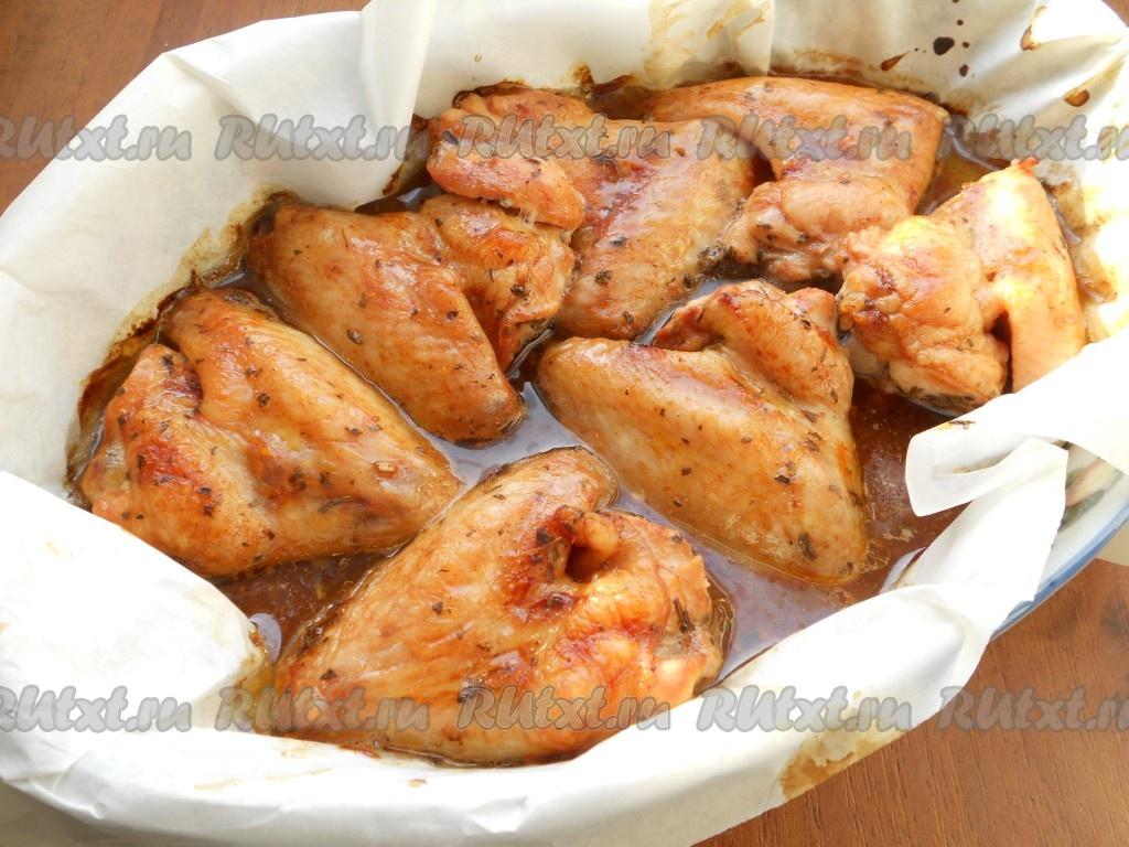 куриные крылышки в духовке в томатном соусе