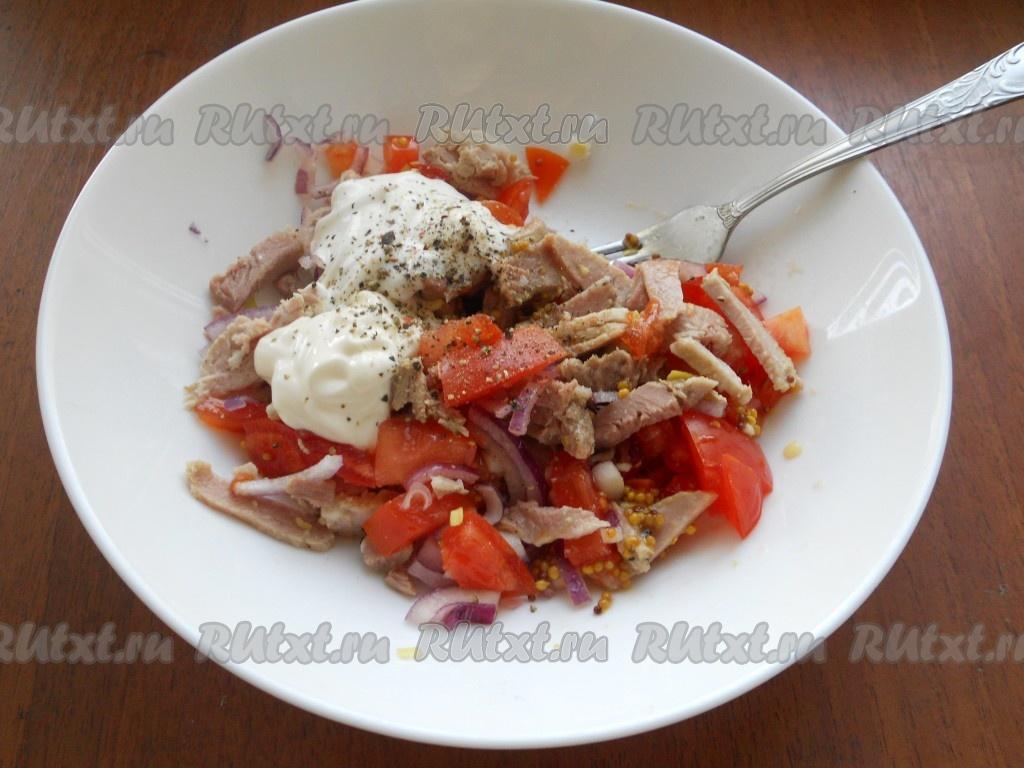 салат с мясом свинины и помидорами рецепт